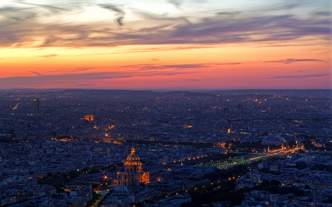 paris at night – a pondering mind