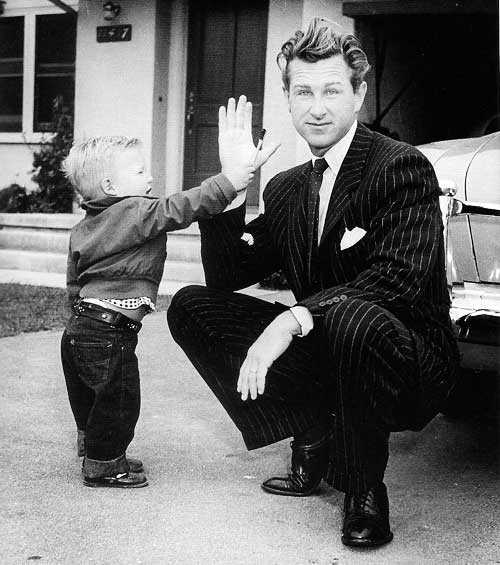 Jeff Bridges with his dad Lloyd Bridges.