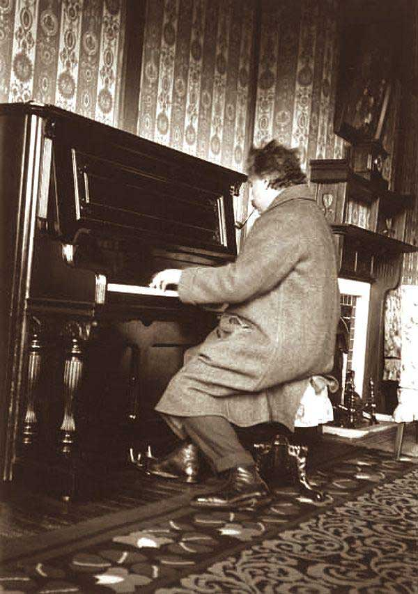 Albert Einstein playing the piano at the Nara Hotel in Japan, 1922.